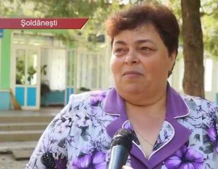 Oamenii din Vadul Rașcov cer guvernanților să le dea liceul inapoi