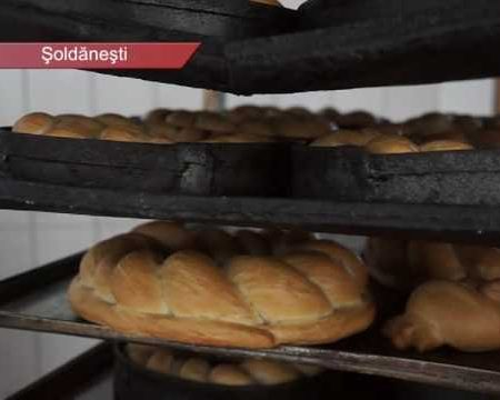 Coc pâine pentru a-i scuti de griji pe consăteni