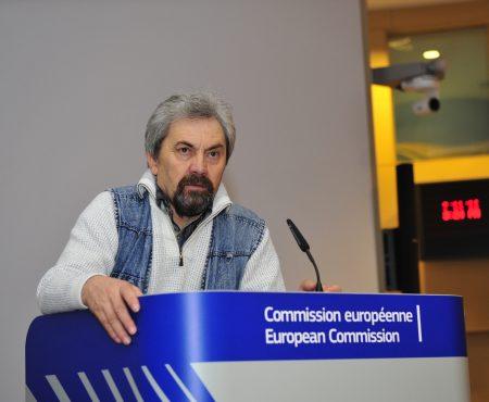 În Brussels, suntem îndemnați să ne zidim o țară fără hoți și corupți
