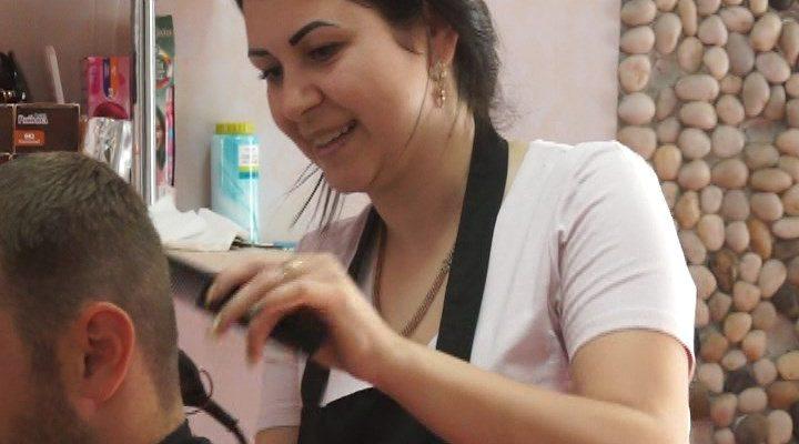 De la cursuri de frizer, la propria afacere