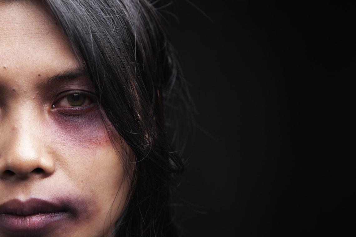 MOLDOVA+ Un pumn de la bărbat și altul de la societate