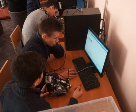MOLDOVA+ Informatica - disciplina viitorului, predată de agronomi