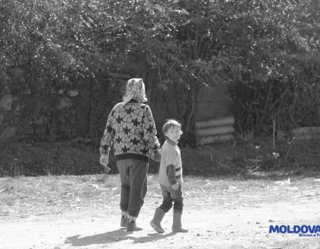 MOLDOVA+ Elevii din ultima bancă