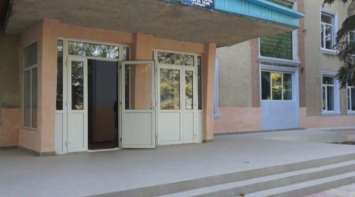 MOLDOVA+ Profesorii pensionari mențin educația în Moldova