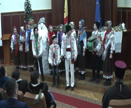 Administrația raionului Șoldănești felicitată de artiști amatori