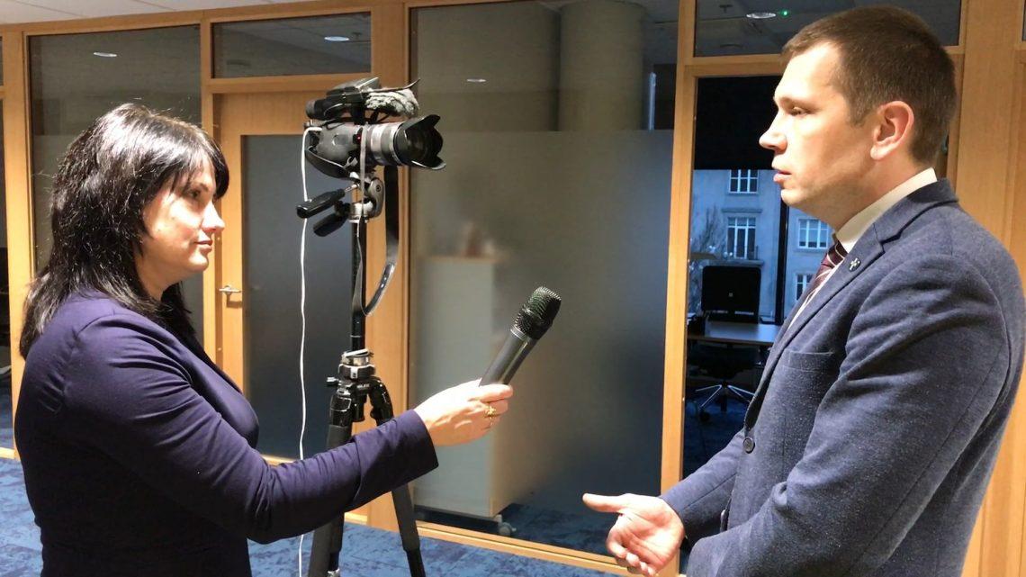 În Estonia, cetățenii NU tolerează corupția