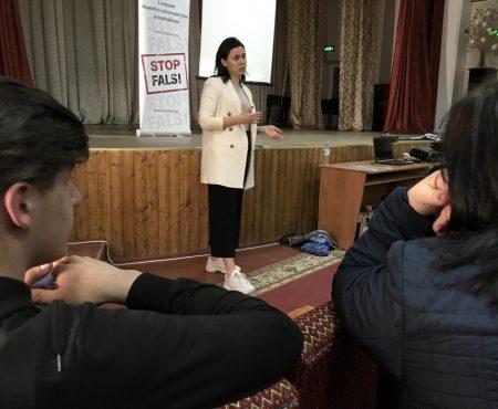Jurnalista Natalia MORARI la Șoldănești, despre falsuri și manipulare în presă (video)