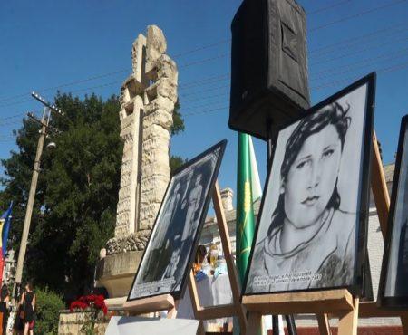 Creștini și gospodari, moldovenii au fost pretutindeni