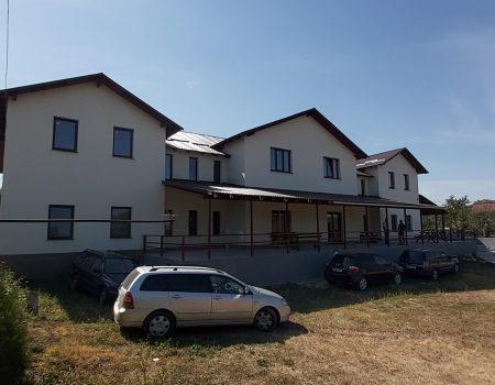 Prima galerie rurală de artă, deschisă la Ţâpova