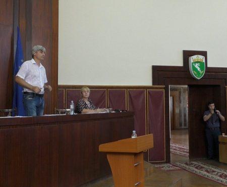 Ședința extraordinară a Consiliului raional: rocada de cadre - respinsă